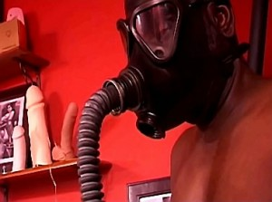 Breathplay en gasmasker training door dominante heerseres